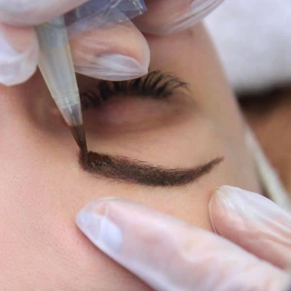micropigmentación en cejas, repatafora, cicatrices, alopecia, paciente oncológico